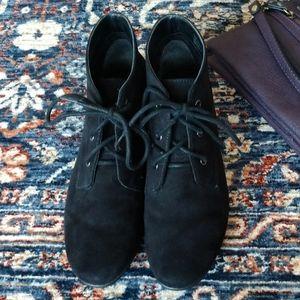 Aerosoles black lace up booties, 5.5